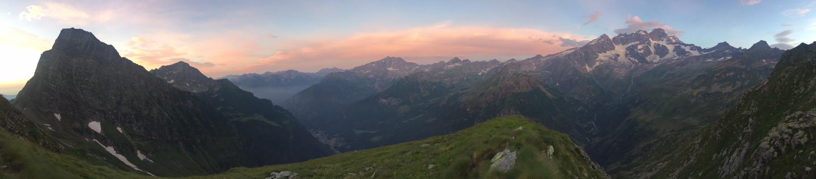 Monta Rosa im Sonnenaufgang